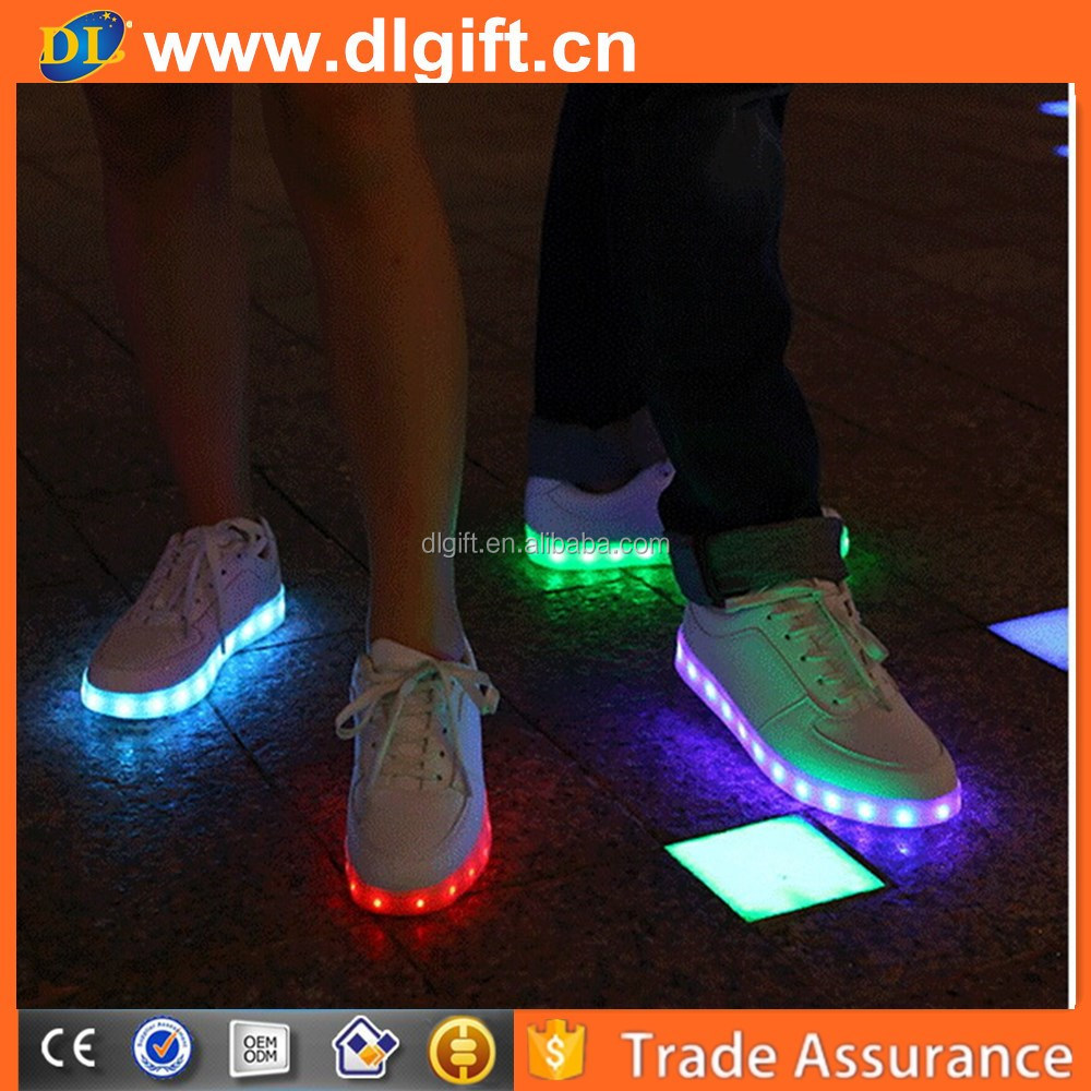 Fashion Design Sneaker With Led Sport Shoes Perfect For Night Running Shoes