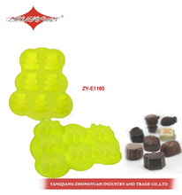 Cake decorating bear shape silicone cake mold and bakeware with 7 cavities