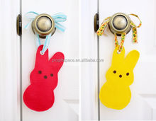 2018 new fashion hotsale ecofriendly wholesale handmade fabric craft rabbit shape hanging door ornament Easter bunny decorations