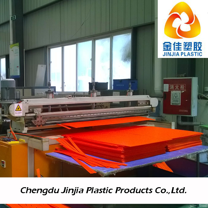 red color corrugated plastic sheets