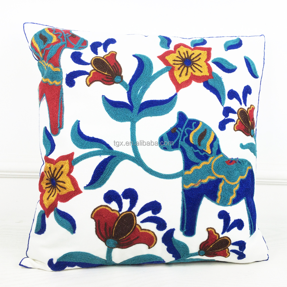 Charming Chinese Style Design 100% Cotton Hand Embroidered Sofa Pillow Case