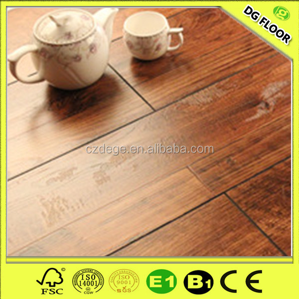 Hot sale 8mm/12mm uniclic waterproof hdf laminate flooring with green core