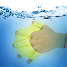 2016 new swimming hand fins non-toxic silicone swimming hand fins