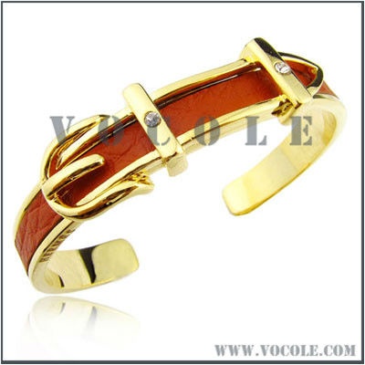 Cuff stainless steel fashionable Solitaires leather bangle