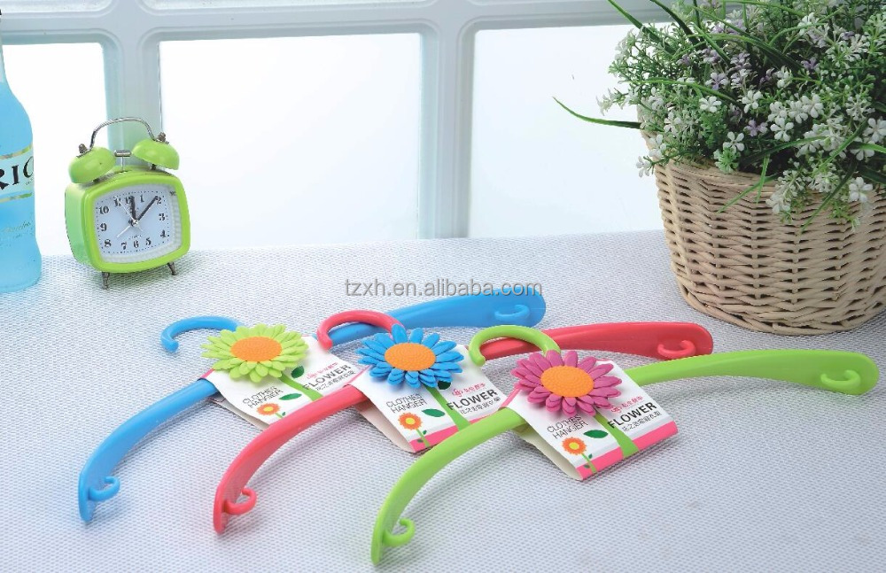 Flower decorative Household Plastic Wide Shoulder coat hanger