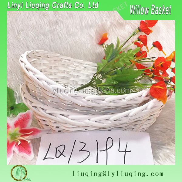 white shoe-shaped gold ingot Wicker baskets