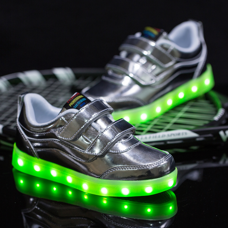 2016 latest design and fashion causal silver action light up shoes for kids