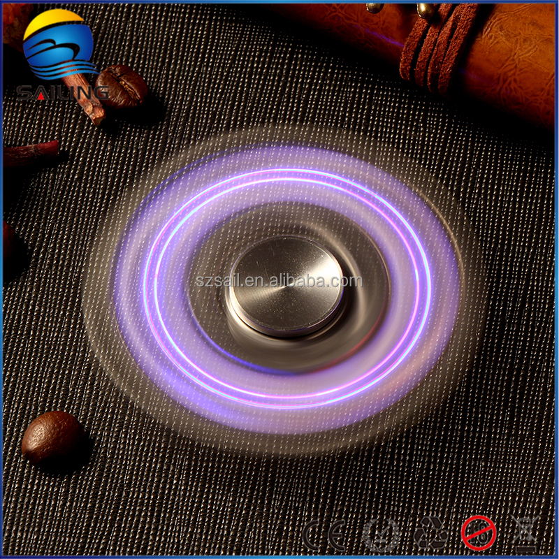 New light spinner hand toy with LED light