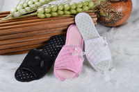 fuzzy plush indoor slipper open-toed sandals