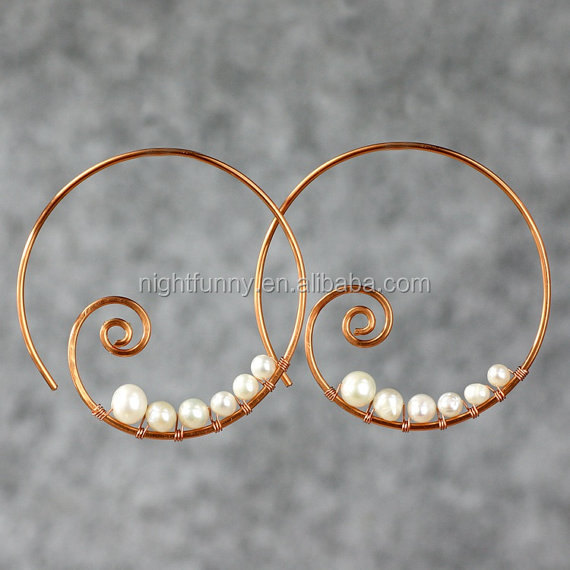 Pearl copper wiring scroll hoop earring