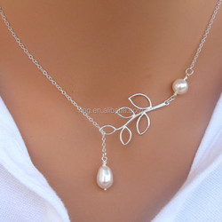 Fashion Simple leaf and Pearl Beads Alloy Clavicle Chain Necklace Wholesale