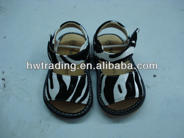 2013 AAB squeaky sanal, animal printing squeaky shoes, zebra squeaky sandal.