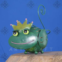 decorative and fancy metal craft king frog candleholder