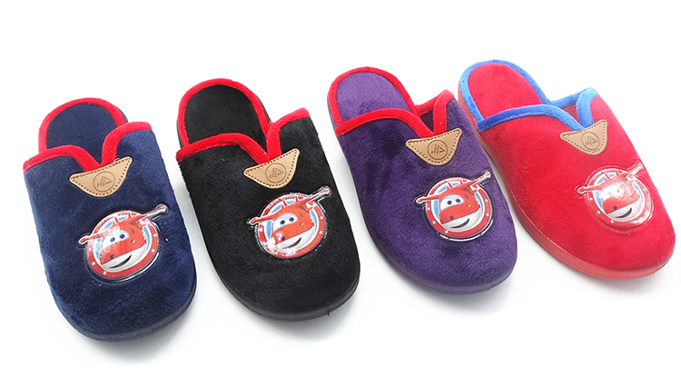 Supreme quality cheap wholesale slippers