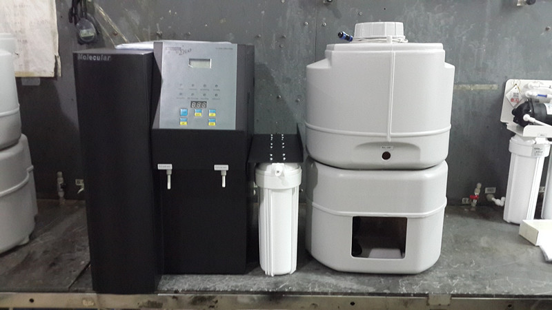 Reverse Osmosis (RO) Water Purification System (Bench top model) for laboratory