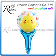 REIANS Customized printed inflatable handhold cartoon Chicken shaped aluminum foil handle balloons factory (accept OEM ODM)