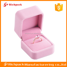 Wholesale high-end pink velvet plastic wedding ring boxes