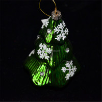 Green glass christmas tree shaped glass art with snowflake on the surface from alibaba china suplier