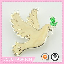2015 new arrival fashionable dove of peace shaped brooch for girls