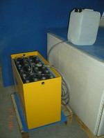 FORKLIFT TRACTION BATTERY WITH CABLE SCREW CONNECTOR & AUTO FILLING SYSTEM