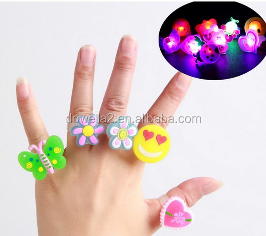 2016 Promotional LED flashing finger ring toy /Party finger ring toy for kids