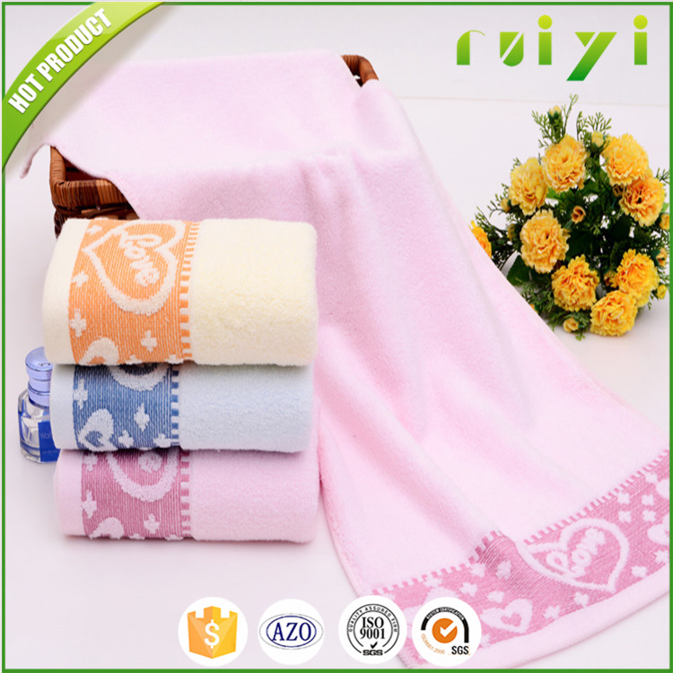 A Great Gift Gives A Clear Message To That Special Person Heart Design Towel Wholesale Made of 100% Cotton