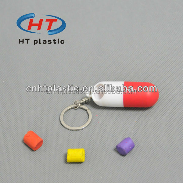 HTP105 Promotion Customized Logo Plastic Capsule Shaped Pill Box/ Capsule Pill Box Keychain