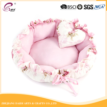 2017 New products outdoor pink cute cat shaped cat bed
