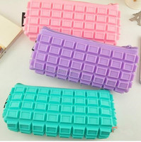 2016 Fashion Waterproof Chocolate Silicone pencil case with zipper