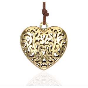 Engraved heart shaped photo frame locket charm aromatherapy necklace pendant