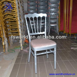 Hot Sales Wedding Chair with Soft Seat Cushion