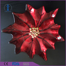 New Fashion Wholesale Decoration High Quality Red Maple Leaf Shaped Glass Charger Plate