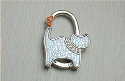 Wholesale hot sale hang bag buckles/elegant lovely animal style hang bag hook/metal bag hanger fashion bag buckles