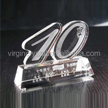 Wholesale Custom Design Laser Engraved Number Ten Crystal Model for corporate 10 years crystal trophy