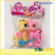Fashion toy new item 2014 cheap hot sale plastic couple horse toy