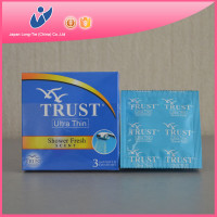 fruit flavor pleasure male condom in bulk package