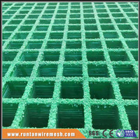 "38x38mm FRP molded grating 1-1/2"" thick, 1-1/2"" square mesh with grit"
