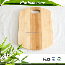 Slap-up bamboo chopping board with arc edge