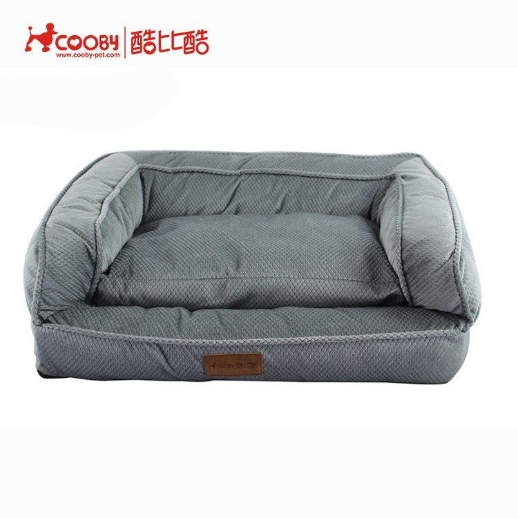 Hot selling fashionable winter use non woven inside dog beds private label