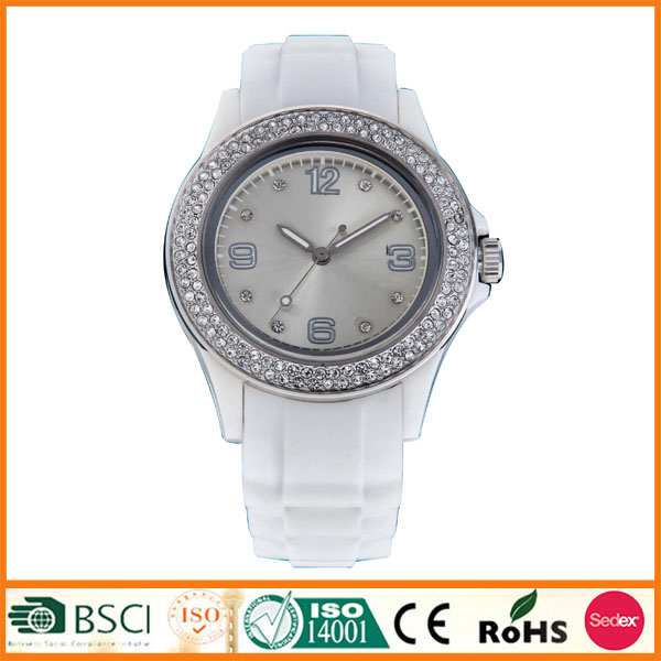 New Model Metal Diamond Bezel Waterproof 5 ATM Watch
