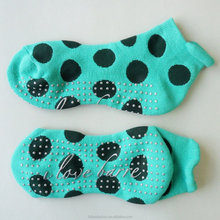 Custom Make Cotton Polka Dots Sticky Socks Grip Ankle Sock Yoga Non Slip Grippy Sock