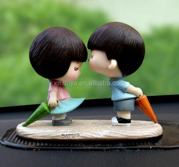 direct supply fashion resin girl and boy statue for wedding gift