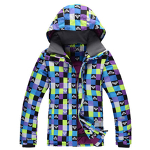 Guangzhou OEM service winter CVC sports fashion windbreak print colorful women ski suit