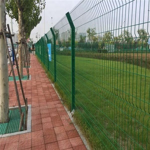High security outside separation triangle bending fence