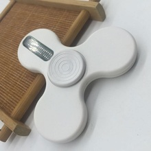 New Type of Spinner Toy In Hand, Flash Words Spinner app on Hand, Customize Patterns or Words Supported with usb