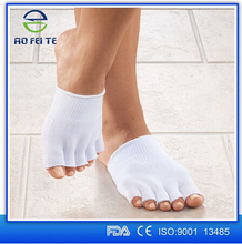 2016 Aofeite New 1 Pair Gel Lined Compression Toe Separating Socks Heel Pain Relief Foot Care Socks