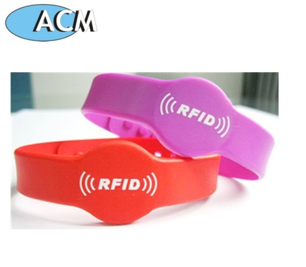 China Factory Cheap Adjustable Open Loop Waterproof Silicone 13.56Mhz Rfid Wristband