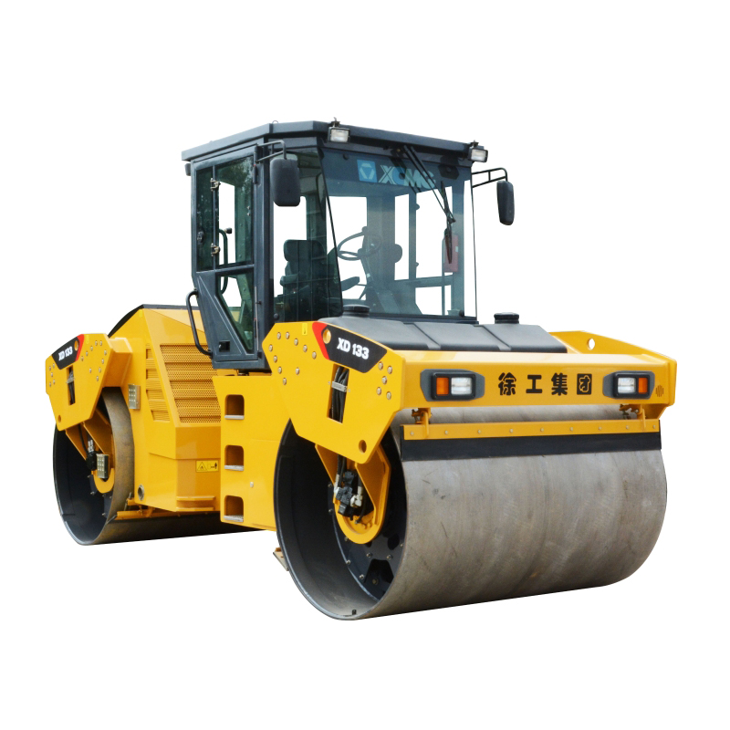 XCMG construction machinery vibration road roller XD133 for sale
