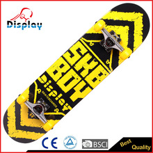 With high quality ABEC-9 bearing and PU wheel professional 7layer maple skateboard