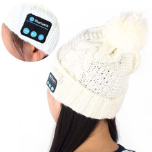Soft Warm Beanie Hat with Mic Sport Stereo Music Handfree Headset Earphone Wireless Bluetooth Headphone Smart Cap for Smartphone